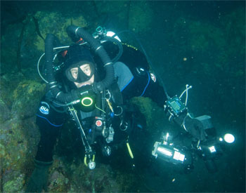 Marc Shargel diving with his rebreather and digital camera.